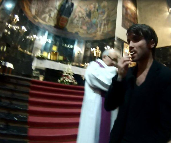 """Imágenes de cámara oculta con la """"recogida"""" de hostias """"consagradas"""" en iglesias"""